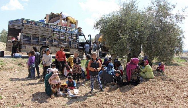 Spiegel: Τώρα οι πρόσφυγες πεθαίνουν στα τουρκο-συριακά σύνορα