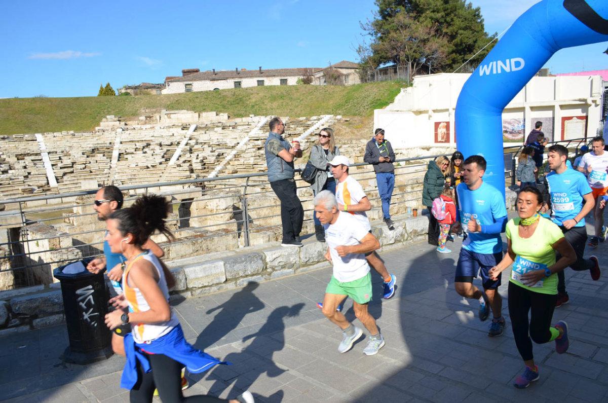Χιλιάδες Λαρισαίοι στο Run Greece (φωτ.+ βίντεο)