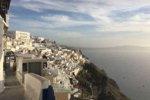 Σαντορίνη: Το νησί που δεν «ξεκουράζεται» ποτέ