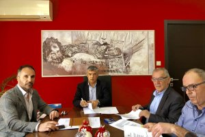 Βελτιώνει αθλητικές εγκαταστάσεις στο Δήμο Τυρνάβου η Περιφέρεια Θεσσαλίας