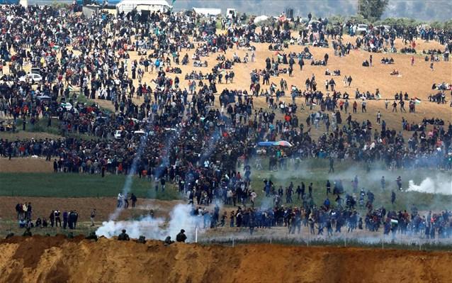 Τουλάχιστον 10 νεκροί, εκαντοντάδες τραυματίες στα σύνορα Γάζας – Ισραήλ