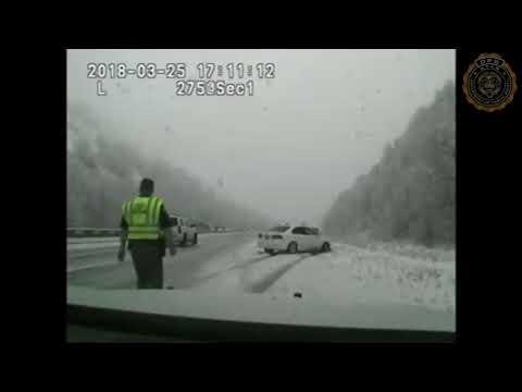 Απίστευτο τροχαίο: Τον χτύπησε αυτοκίνητο και… απογειώθηκε (Video)