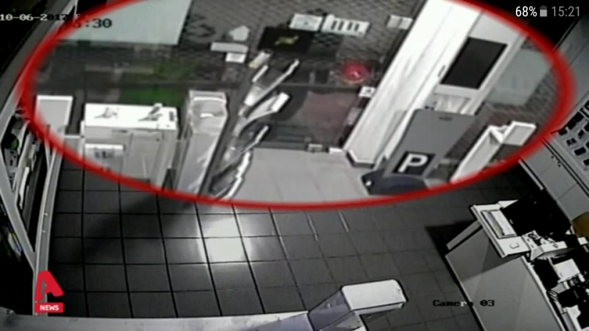 Λάρισα: Βίντεο από την επιδρομή διαρρηκτών σε κατάστημα