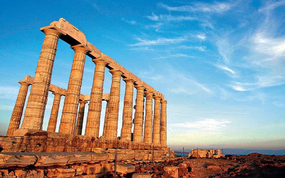 """Ελλάδα: """"Ενας από τους πιο «καυτούς» προορισμούς αναφέρει το Forbes"""