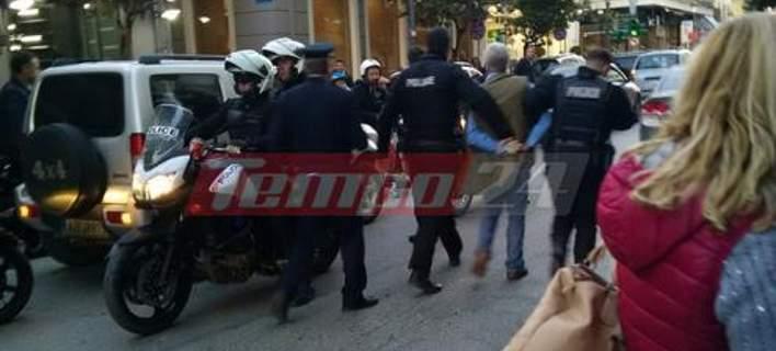 Φυλάκιση 23 μηνών στον άνδρα που έριξε κουτουλιά σε αστυνομικό