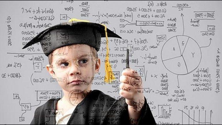 Ποιο μήνα γεννιούνται οι πιο έξυπνοι άνθρωποι;