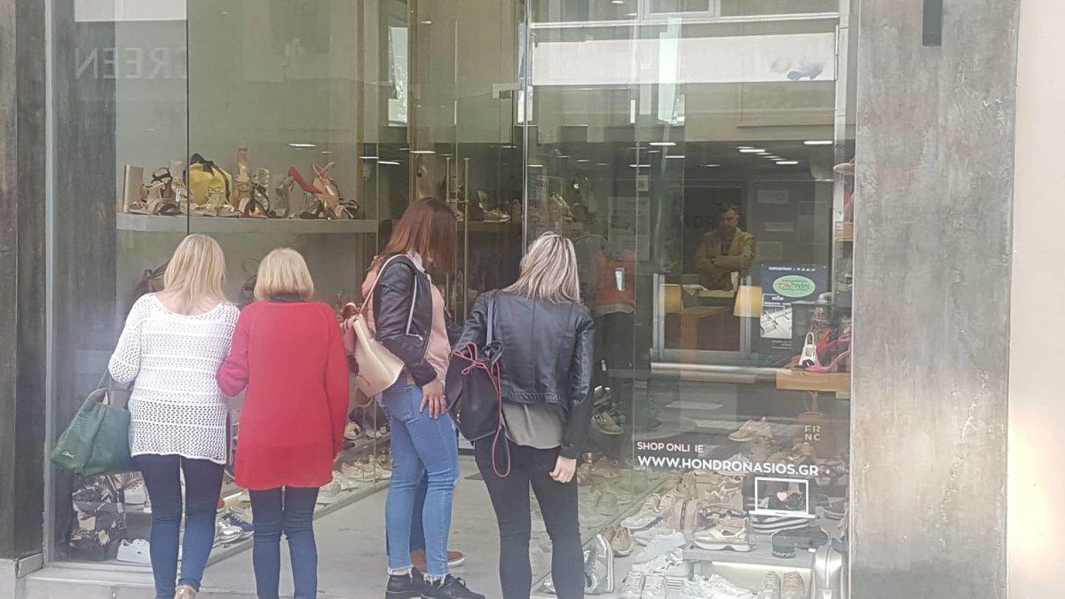 Λάρισα: Ποιές ώρες θα είναι ανοιχτά τα καταστήματα τη Μεγάλη Παρασκευή