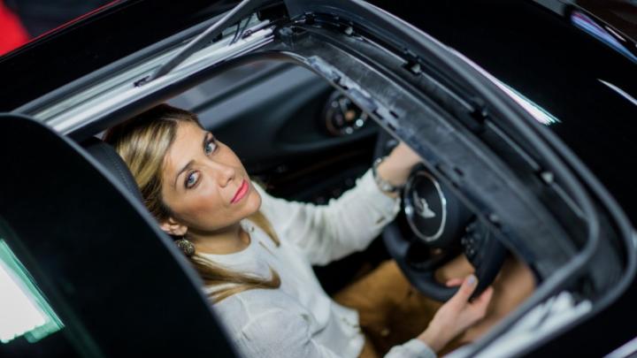 Παναγιώτα Πετρίδου: Η πιο επιτυχημένη πωλήτρια αυτοκινήτων στη Γερμανία