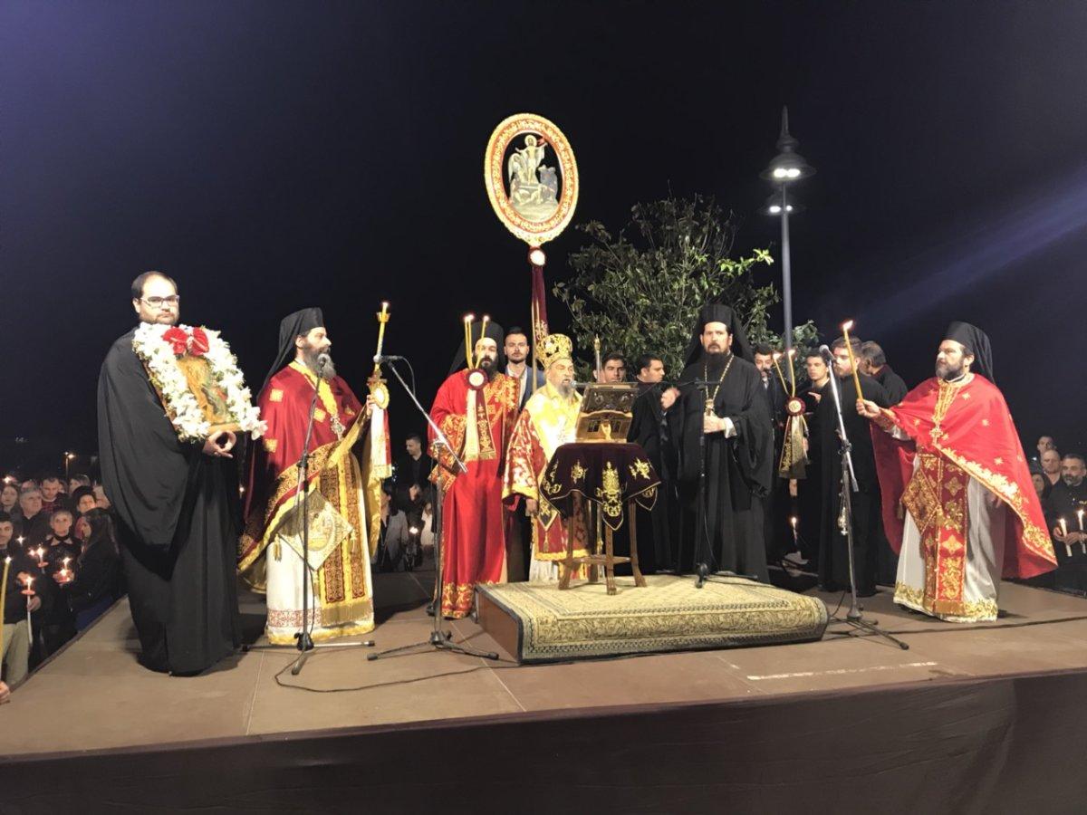 Η Ανάσταση στον Αγιο Αχίλλιο στη Λάρισα (φωτ.)