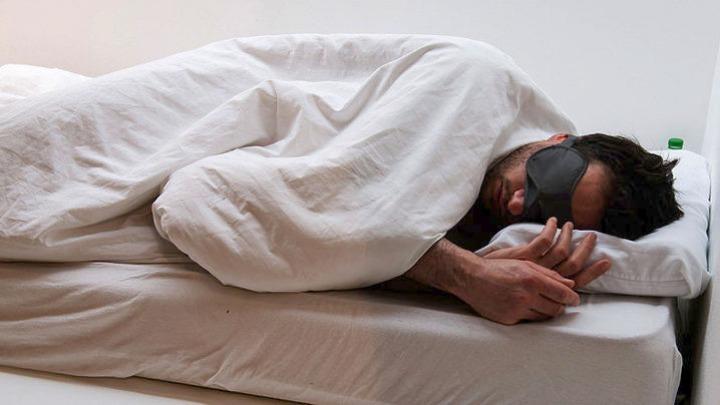 Μια άυπνη νύχτα αυξάνει τον κίνδυνο για Αλτσχάιμερ