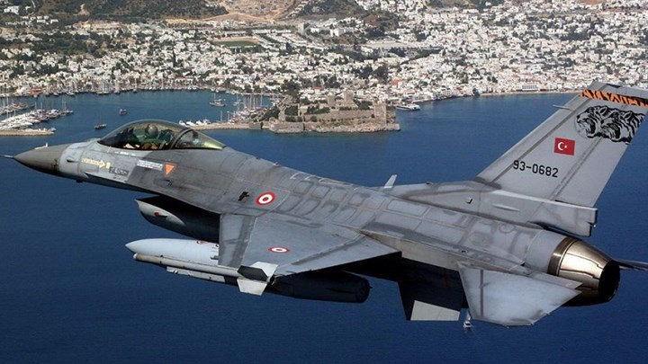 Χωρίς ίχνος σεβασμού οι Τούρκοι: 32 παραβιάσεις σε ημέρα πένθους των ελληνικών Ενόπλων Δυνάμεων