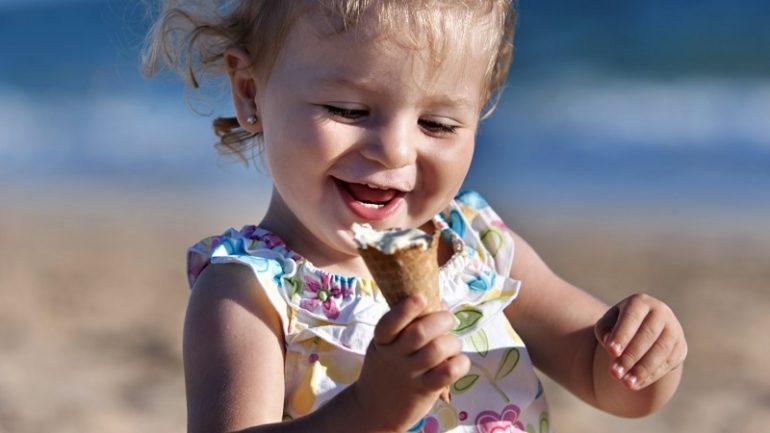 Παιδοδοντίατροι αποκαλύπτουν ποια γλυκά κάνουν λιγότερο κακό στα δόντια