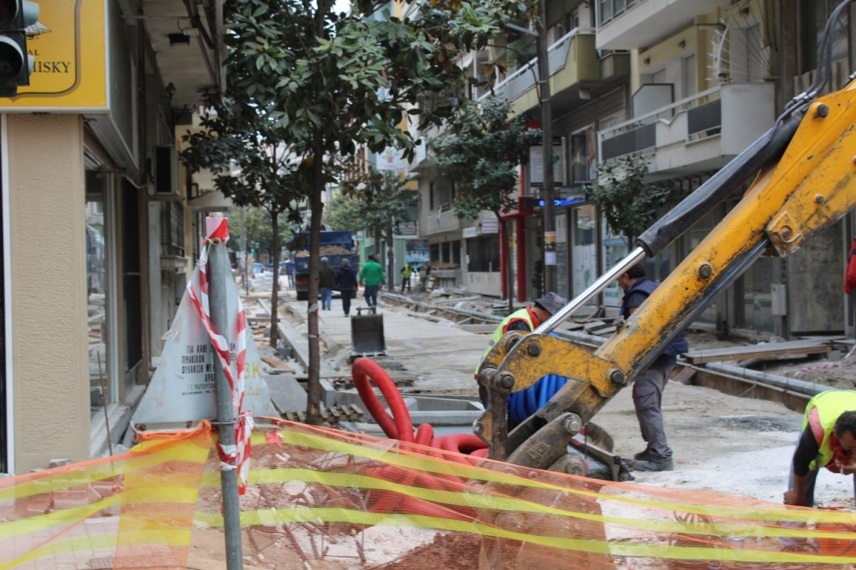 Κυκλοφοριακές ρυθμίσεις στο Κέντρο της Λάρισας λόγω εργασιών