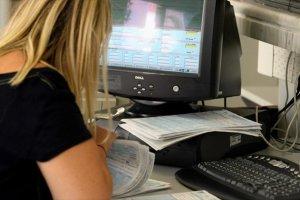 Στο ΦΕΚ η απόφαση για εξόφληση οφειλών με κάρτα μέσω TaxisNet