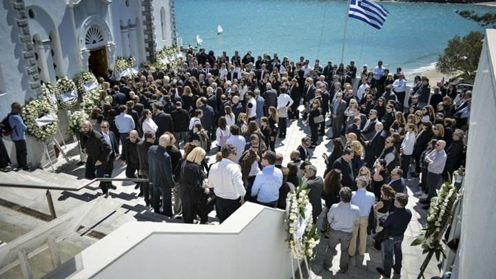 Θρήνος στην κηδεία του Αλέξανδρου Σταματιάδη (βίντεο)