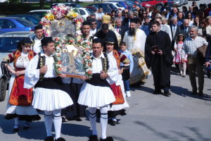 Λαμπρές εκδηλώσεις στη Νίκαια για τον Άγιο Γεώργιο (φωτ.)
