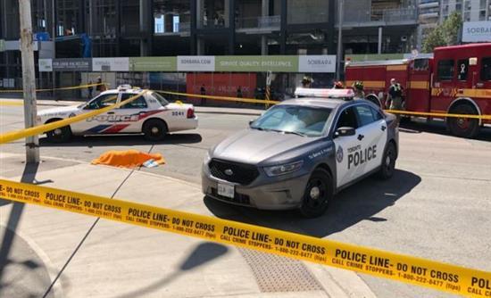 Ημιφορτηγό έπεσε επάνω σε πεζούς στο Τορόντο – Σοκάρουν οι εικόνες (βίντεο)