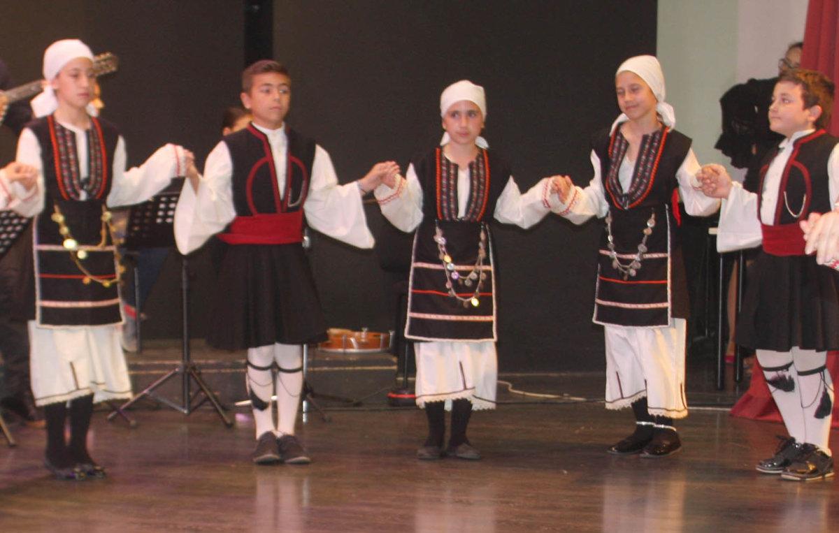 Γέμισε παραδοσιακή μουσική το ΔΩΛ