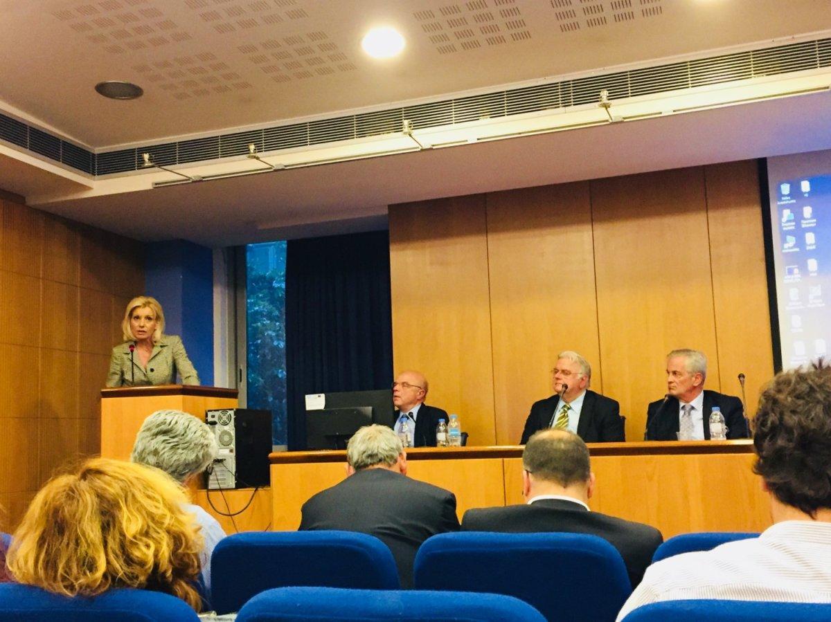 Ρένα: Στις τοπικές κοινωνίες το στοίχημα της ανάπτυξης