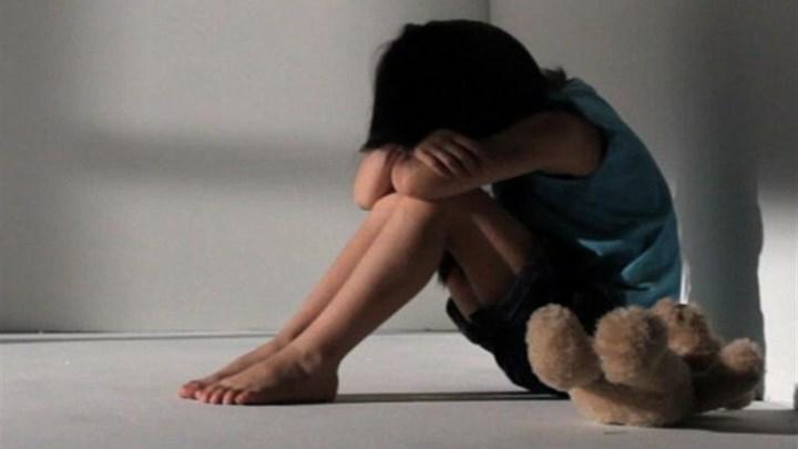 Φρίκη – Πατέρας βίαζε τα 3 του παιδιά