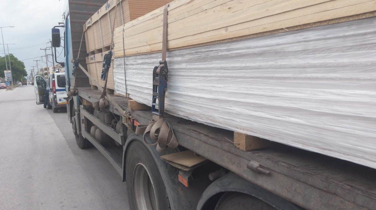Λάρισα: Φοβερό τροχαίο στη Βόλου – Νταλίκα παρέσυρε γυναίκα