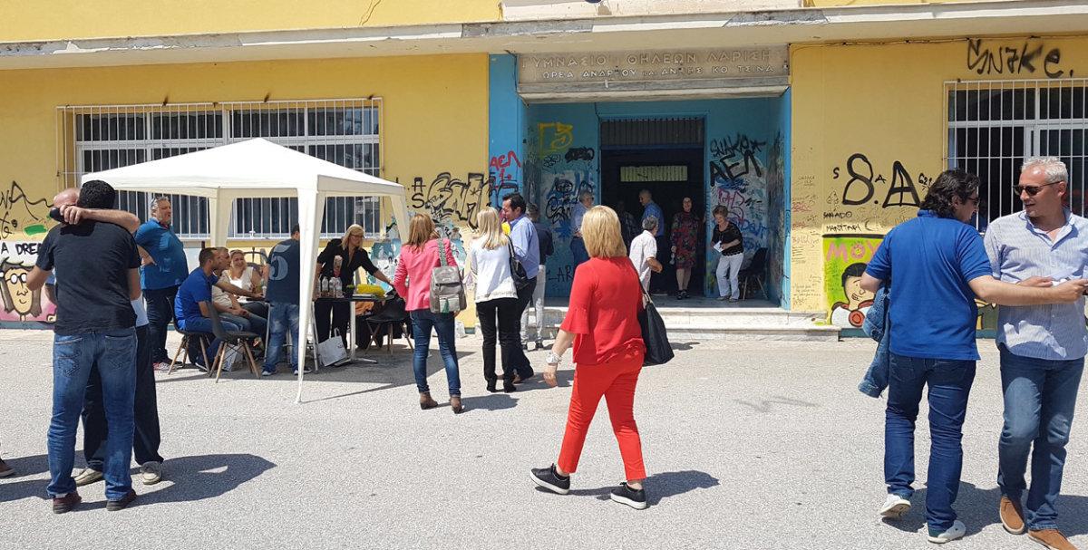 Κλικς από τις εσωκομματικές εκλογές της ΝΔ στη Λάρισα (φωτ.)
