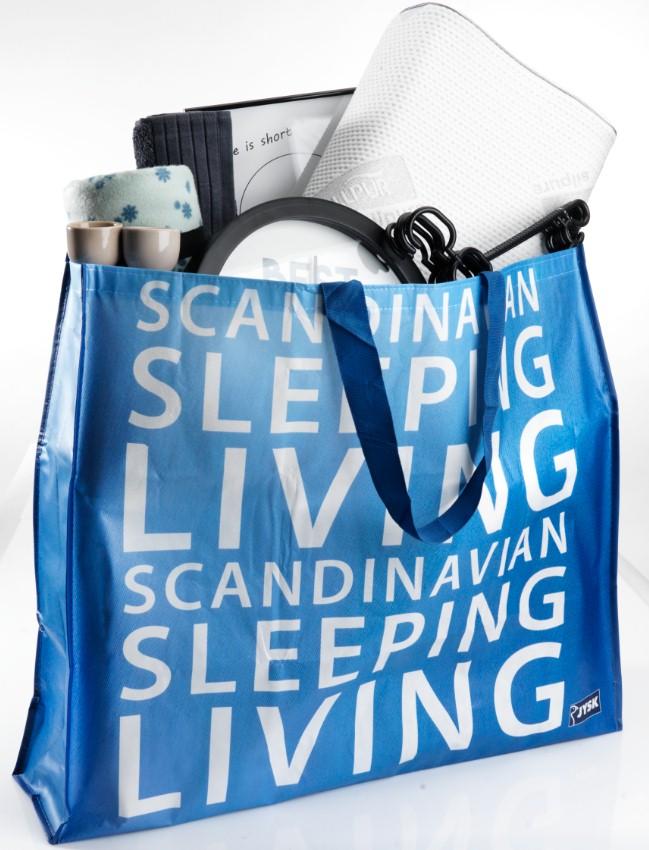 Η μεγάλη μπλε τσάντα JYSK δώρο με τις αγορές σας την ημέρα των εγκαινίων