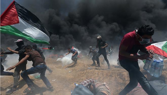 Καζάνι που βράζει η Γάζα – 52 νεκροί Παλαιστίνιοι