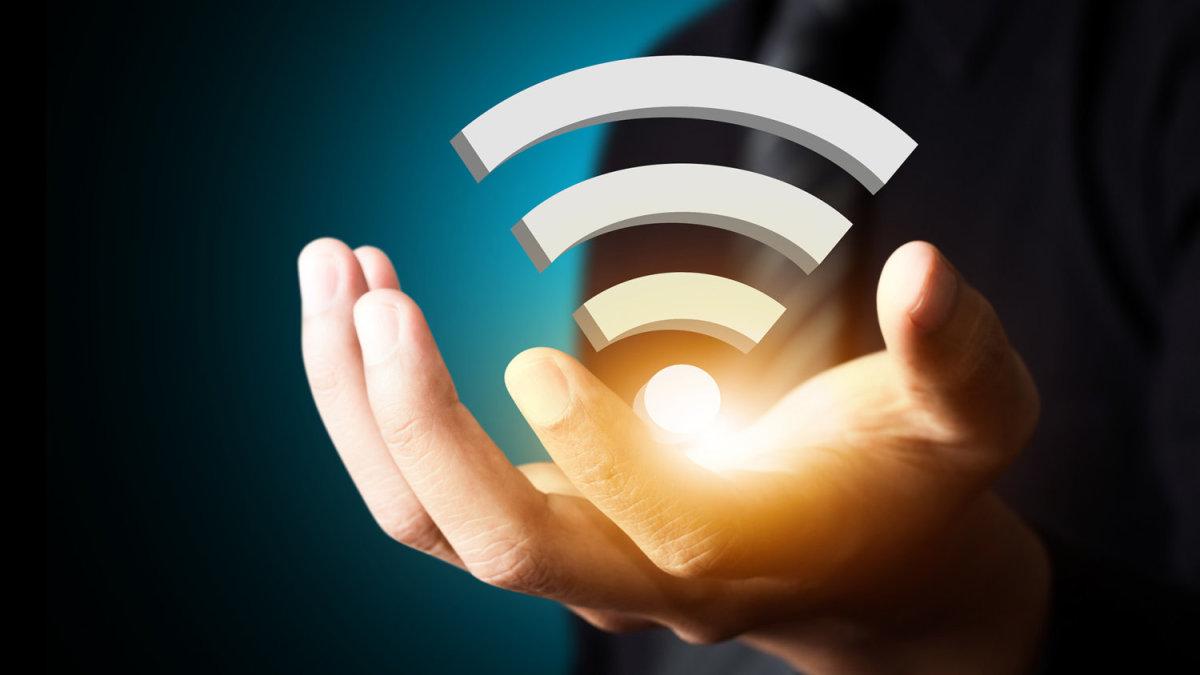 Ξεκινούν αύριο οι αιτήσεις για δωρεάν WiFi σε δήμους