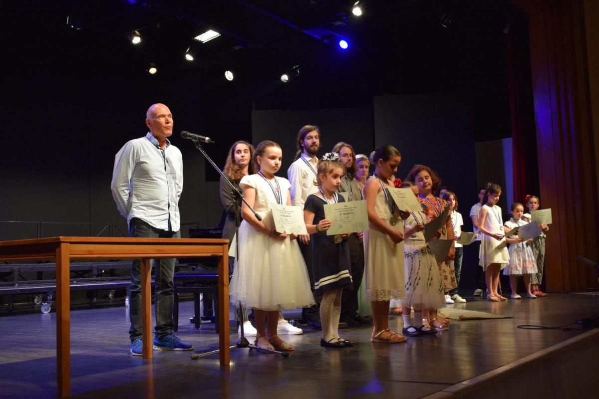 Βραβεύσεις ταλαντούχων Λαρισαίων στον 6ο Πανελλήνιο Διαγωνισμό Πιάνου