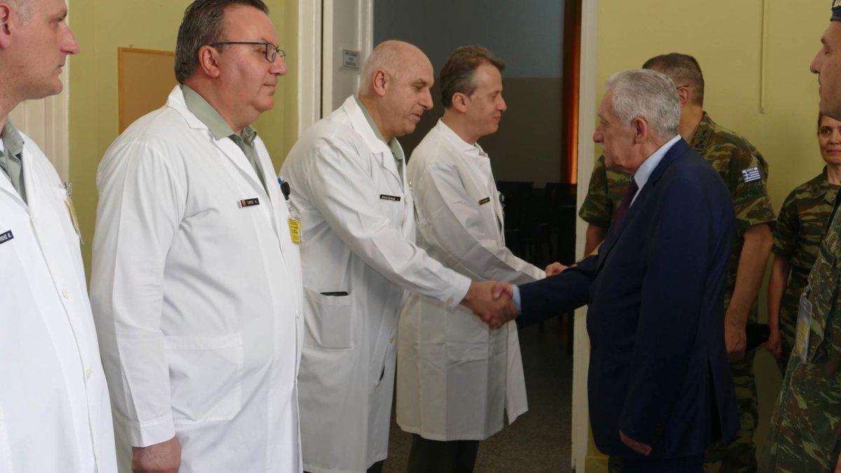 Επίσκεψη Κουβέλη στο Στρατιωτικό Νοσοκομείο (φωτ.)