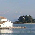 Ποντικονήσι: Το πέτρινο καράβι του Οδυσσέα, αγαπημένο νησί της πριγκίπισσας Σίσυ