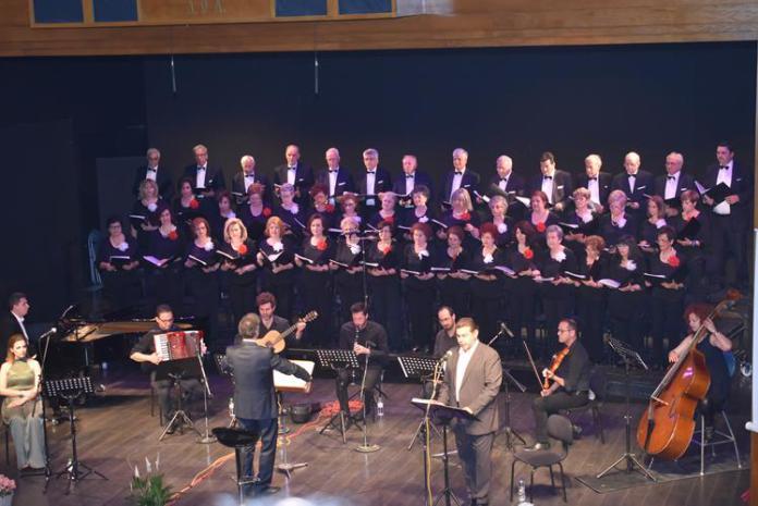 Στην Πάρο η Κερκυραϊκή Χορωδία Λάρισας