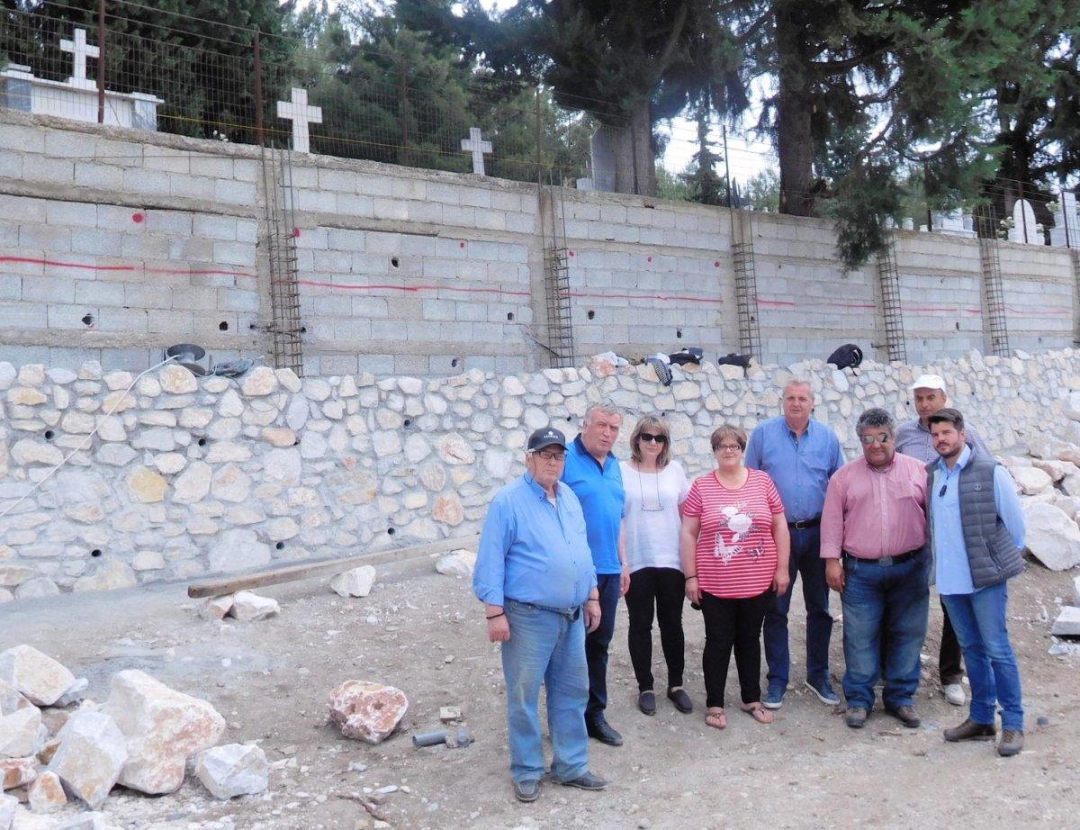 Τοίχος αντιστήριξης στο κοιμητήριο του Διλόφου