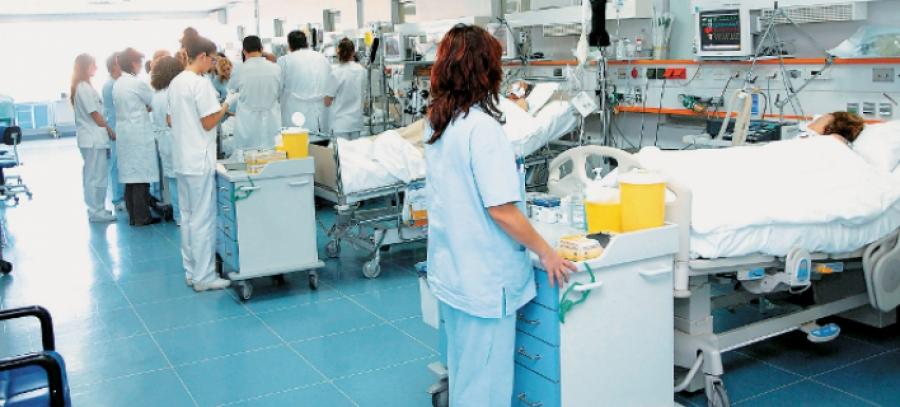 42 εγκαυματίες νοσηλεύονται στα νοσοκομεία