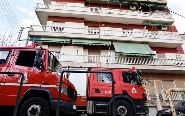 Νεκρή 77χρονη κατά τη διάρκεια κατάσβεσης πυρκαγιάς σε διαμέρισμα