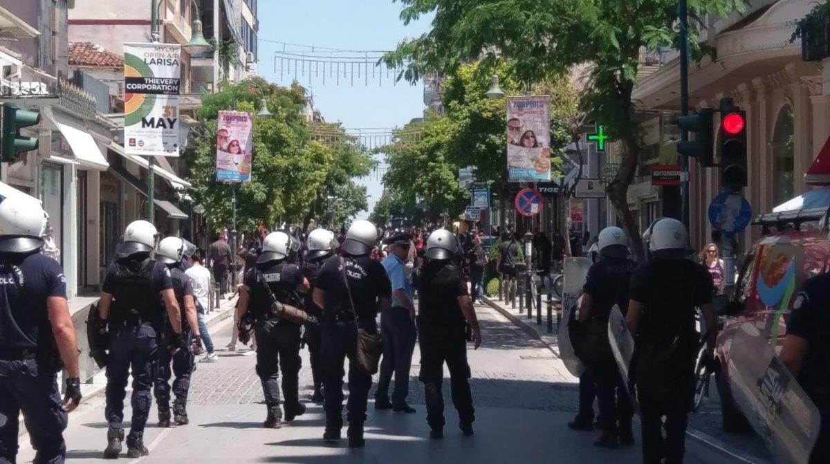 Αντιπολεμική πορεία στο κέντρο της Λάρισας