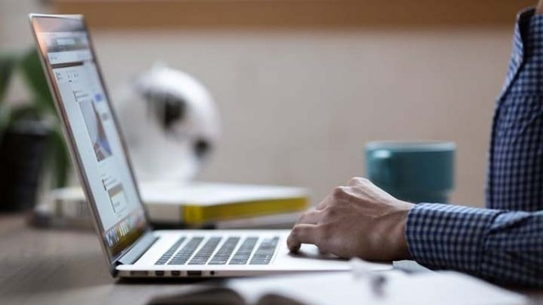 Εργαλεία για την κατάκτηση της παγκόσμιας αγοράς το Διαδίκτυο και τα Social Media
