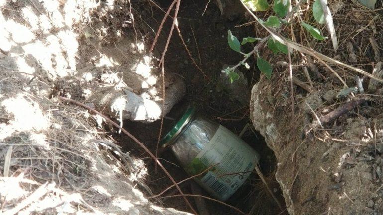 Είχαν θάψει βάζο με ηρωίνη!