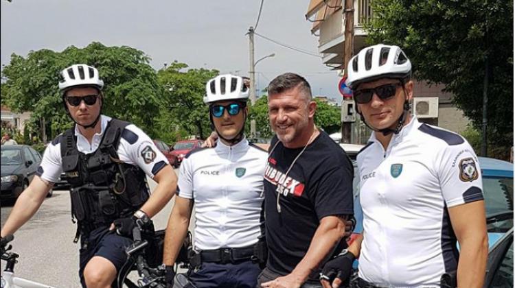 Viral έγιναν οι… αστυνομικοί-ποδηλάτες