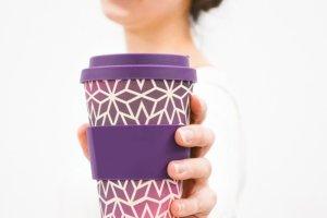 Δείτε πόσα εκατομμύρια πλαστικά ποτήρια καταναλώνουν οι Έλληνες μόνον για τον καφέ τους