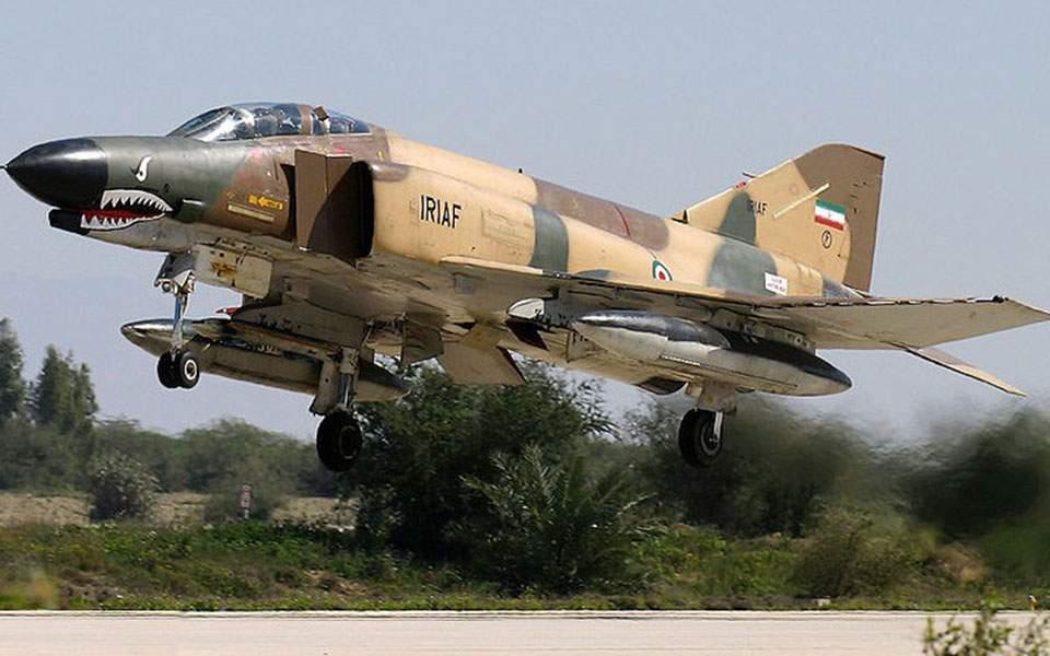 Στρατιωτικό αεροπλάνο συνετρίβη στο Ιράν