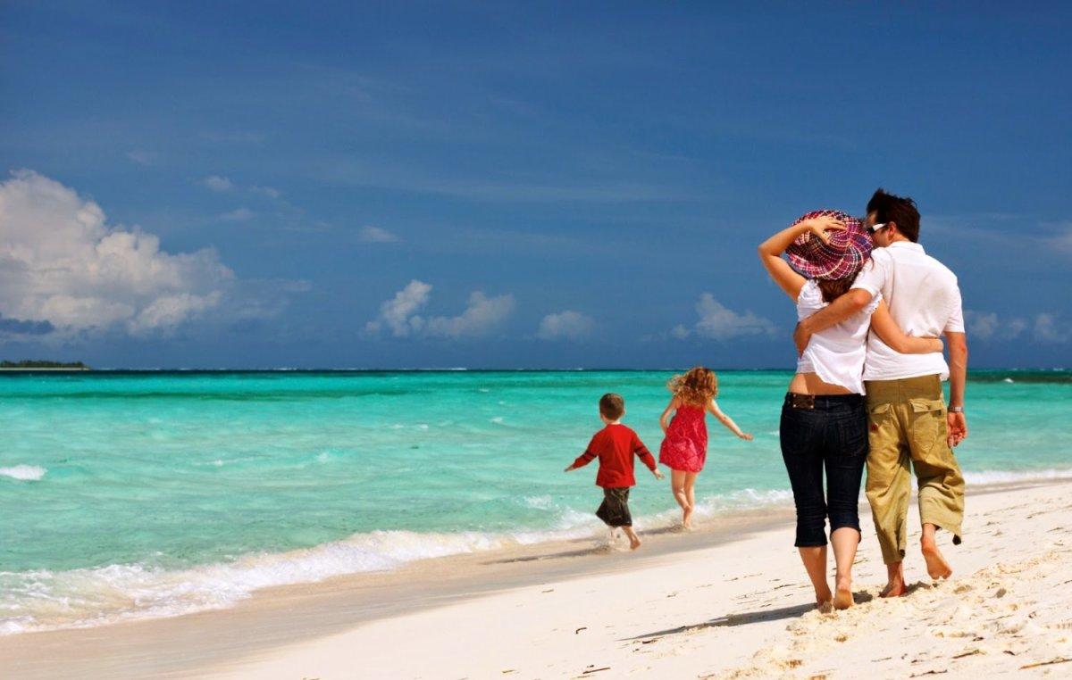 ΟΑΕΔ: Διπλάσιες διακοπές για όσους επιλέξουν νησιά του Αιγαίου που φιλοξενούν πρόσφυγες