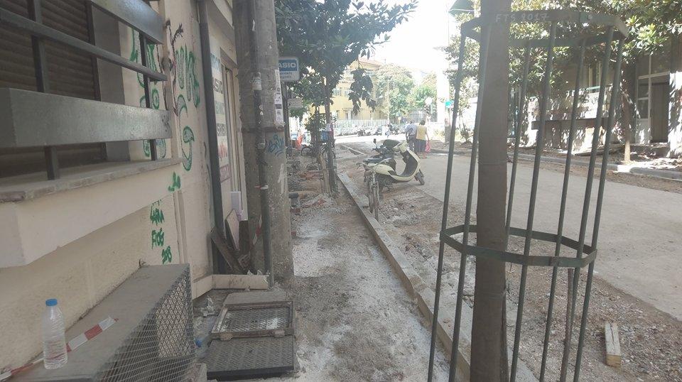 Λάρισα: Πεζοδρόμια – σοκάκια στη Μανδηλαρά (φωτ.- Video)