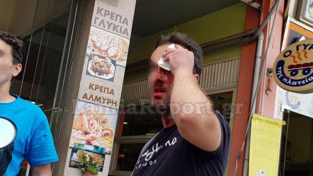 Λαμία: Άνοιξαν κεφάλια με καδρόνια σε πλατεία