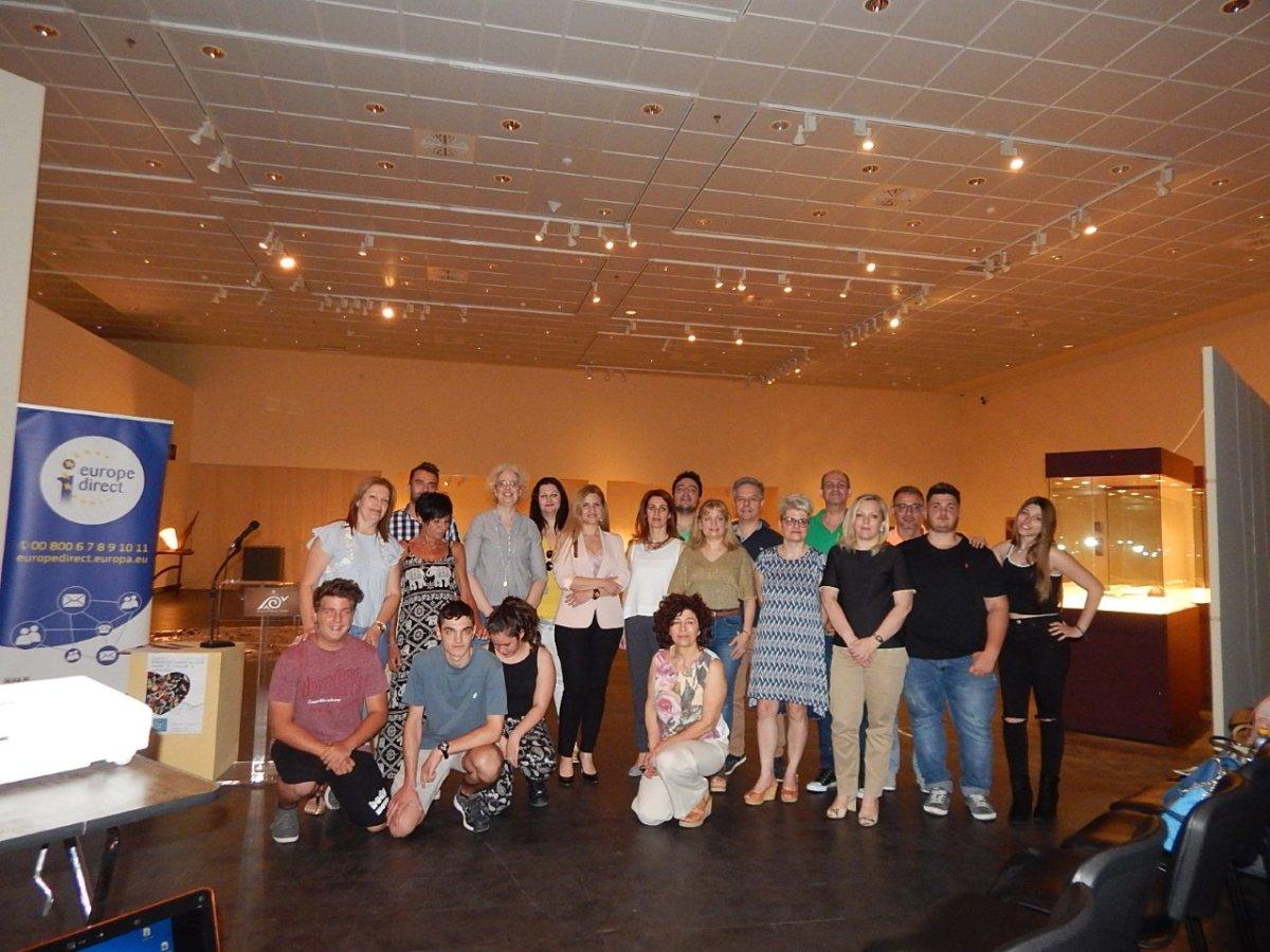 Επίσημη παρουσίαση δράσεων του δικτύου Teachers4Europe ΔΕ Θεσσαλίας