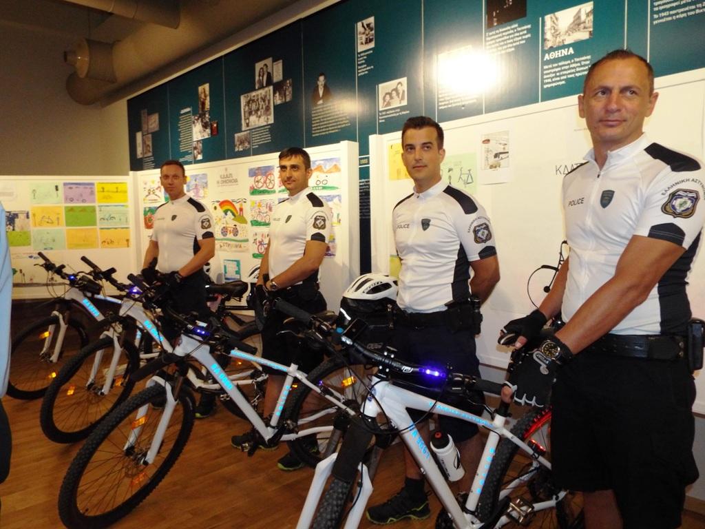Και οι αστυνομικοί με ποδήλατο στα Τρίκαλα