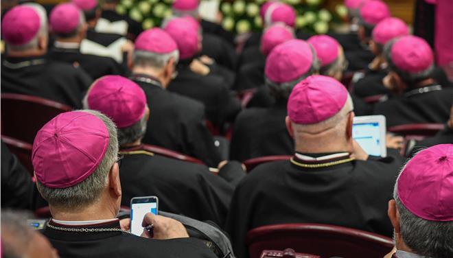 Ροζ σκάνδαλο στο Βατικανό – Ποινική δίωξη κατά ιερέα για παιδική πορνογραφία