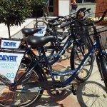 Και η ΔΕΥΑΤ εξυπηρετεί με δωρεάν ποδήλατα