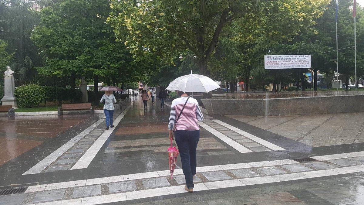 Βροχές και καταιγίδες και την Τετάρτη